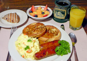 breakfast at Vine Cottage Inn