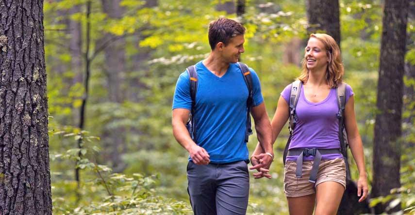 couple hiking in Bath County Va