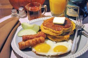 Vine Cottage Inn breakfast