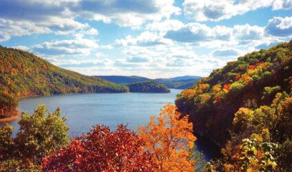 Lake Moomaw in the fall