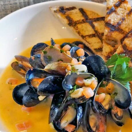Mussels at Les Cochons d'Or